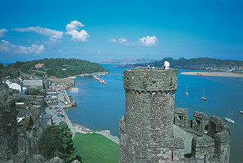Conwy Castle view.jpg